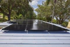 Panneaux solaires résidentiels Image stock