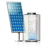 Panneaux solaires sur l'avant et la batterie images stock