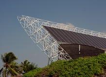 Panneaux solaires sur la grande île photos libres de droits