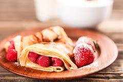Pannekoek met vruchten Stock Foto
