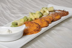 pannekoek Omfloerst met vruchten Royalty-vrije Stock Afbeelding