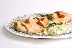 Pannekoek/tortilla/burrito op plaat Stock Fotografie