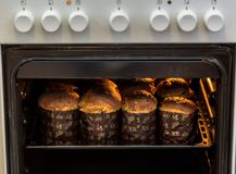 Pannekoeken in de oven Stock Fotografie