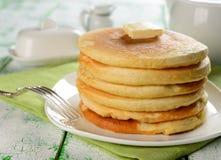 Pannekoeken met boter Royalty-vrije Stock Afbeeldingen