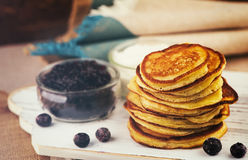 Pannekoeken voor ontbijt Royalty-vrije Stock Afbeeldingen