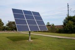 Pannelli solari giranti Immagini Stock