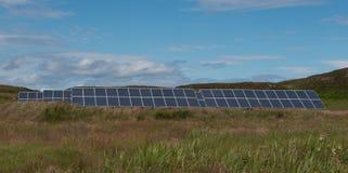 Pannelli solari, isola di letame immagini stock libere da diritti