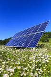 Pannelli solari nel verde Immagine Stock