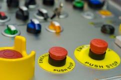 Pannello di controllo con i bottoni, la chiave ed il commutatore fotografia stock