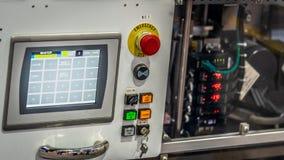 Pannello di controllo del monitoraggio con i bottoni di emergenza fotografia stock