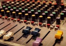 Pannello di controllo del tecnico del suono, audio comandi Immagini Stock