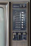 Pannello di controllo di vecchia televisione classica di analogo di colore fotografie stock libere da diritti
