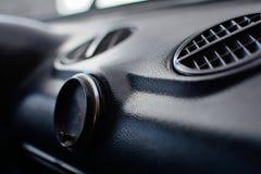 Pannello di controllo nero in un'automobile russa fotografia stock libera da diritti