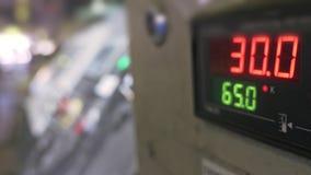 Pannello di controllo per la linea di produzione Fabbricazione di fabbrica di plastica delle tubature dell'acqua Processo di fabb fotografia stock