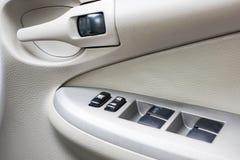 Pannello di controllo personale dell'automobile sul lato dell'autista fotografie stock libere da diritti