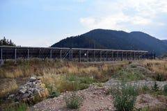 Pannello solare, fonte fotovoltaica e alternativa di elettricità - concetto delle risorse sostenibili Fotografia Stock