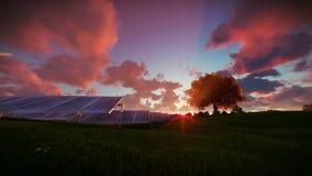 Pannels solares, nascer do sol do timelapse ilustração royalty free