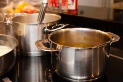 Pannen en cookware Stock Foto's