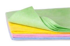 Panni di pulizia multicolori una vista frontale volta Fotografie Stock Libere da Diritti
