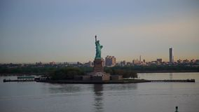 Panning Statue of Liberty, New York