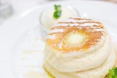 Pannkaka med icecream Royaltyfri Fotografi