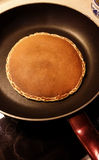 Pannkaka på pannan Royaltyfria Foton