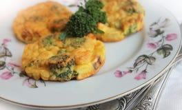 Pannkakor med broccoli Arkivfoto