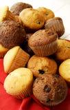 Panno di rosso della raccolta del muffin Fotografia Stock Libera da Diritti