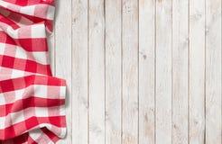 Panno rosso di picnic sulla tavola di legno bianca fotografia stock