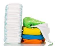 Pannolini eliminabili e tessuto ecologico isolati su bianco fotografia stock