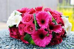 Panny młodej i drużek kwiaty obraz stock