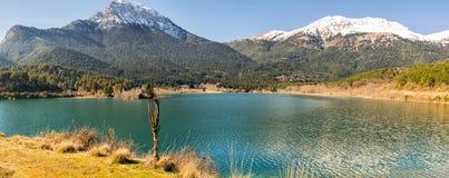Pano озера Doxa в Греции Известное touristic назначение стоковая фотография rf