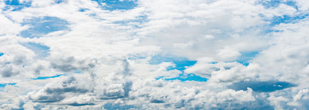 Pano of blue cloudy sky Royalty Free Stock Photos