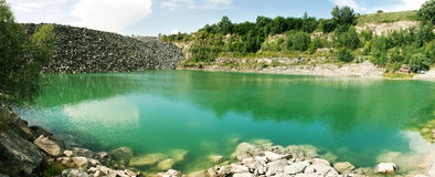 pano de montagne de lac Photos libres de droits