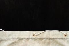 Pano de saco com o trajeto de grampeamento preto para marcar Foto de Stock