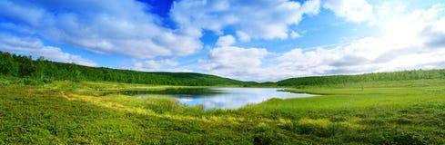 Pano del lago del norte de la montaña Fotografía de archivo