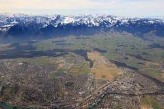 Pano della città della città della Svizzera delle montagne di panoramica di panorama delle alpi di Thun Fotografia Stock Libera da Diritti