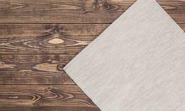 Pano na tabela de madeira Vista superior Imagens de Stock Royalty Free