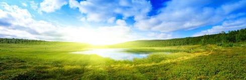 Pano van het meer van de het noordenberg Stock Fotografie