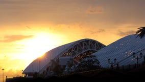 16:9 panorámico de la puesta del sol de la arena de Sochi Fisht horizontal Imagen de archivo libre de regalías