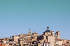 Panorámico de Toledo, con el cielo azul La Mancha de Castilla españa Imágenes de archivo libres de regalías