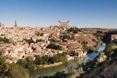 Panorámico de Toledo, con el cielo azul La Mancha de Castilla españa Fotos de archivo libres de regalías