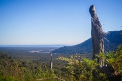 Panorâmico da parte superior do vulcão no patagonia, o Chile de Chaiten d imagem de stock royalty free