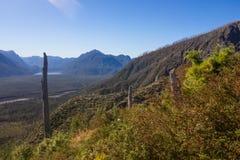 Panorâmico da parte superior do vulcão no patagonia, o Chile de Chaiten d foto de stock