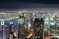 Panoram av natten Dubai Royaltyfria Bilder