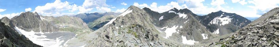 Panoram delle montagne di Altai Fotografie Stock Libere da Diritti