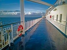 Panoram do mar Báltico com lainer do cruzeiro imagens de stock royalty free