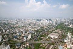 Panoram sikt på den uttryckliga järnvägen från Bayok himmelhotell arkivbilder