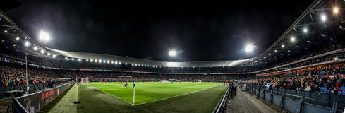 Panoramaöverblick de Kuip på aftonmatchen Royaltyfria Foton