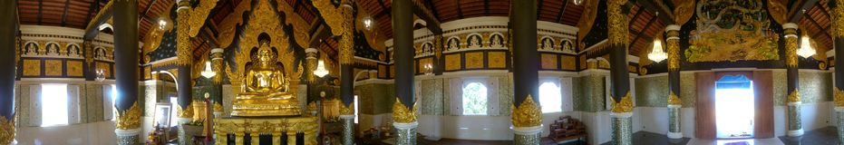 Panorama 360° geschossen vom goldenen buddhistischen Schongebiet Lizenzfreie Stockfotos